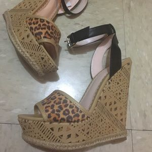 Shoedazzle; Madison wedges